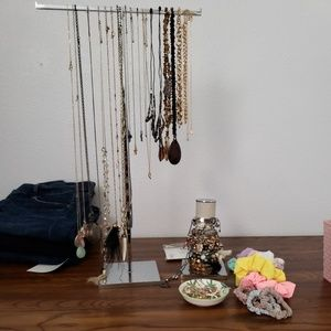 Metal adjustable necklace T-Stand